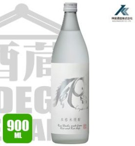 Shochu KAZEHAKUBA Destilado de Arroz 900ml