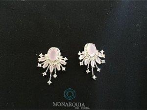 Brinco pendulo banho ouro branco cristal rosa e microzirconias