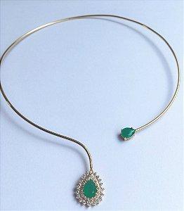 Chocker aro aberto gota cristal esmeralda e zirconia banho em Ouro