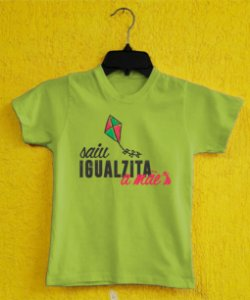 Camiseta Infantil Dia das Mães - Pipa Rosa - Verde