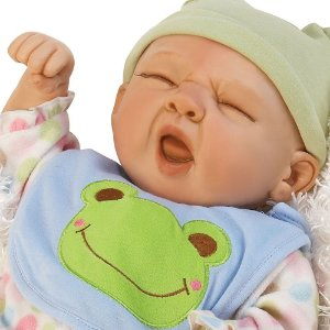 Boneca Sleepy Frog - Paradise Galleries