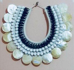necklace olive brown/bubbles/placuna - unid