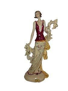 Peça Decorativa Dama Francesa de Resina