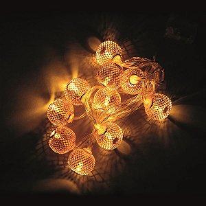 Pisca LED Cordão Bolas Aramadas Rose 10 Bolas 2,30m à Pilha