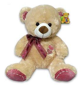 Ursinho de Pelúcia Bege com Coração Rosa