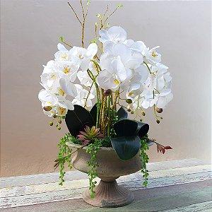 Arranjo de Flores Artificiais Orquídeas Brancas com Suculentas 66cm