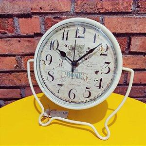 Relógio Vintage Branco Metal de Bancada Home