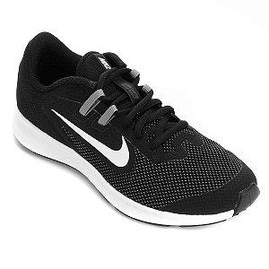 Tênis Nike Downshifter 9 GS - Preto e Branco