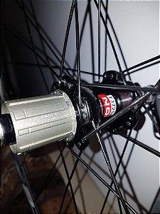 Roda Syncros (par) bicicleta de estrada 700c c/ cubos Novatec A271SB/F372SB - USADO