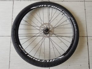 Rodas Overhill Vzan com Cubos Novatec 32F + pneus + disco de freio - Par