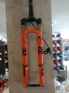 Suspensão Fox Laranja Racing 32 Float Kashima Step-cast Boost