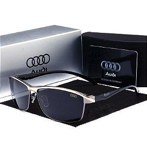 Óculos Audi cinza -  ambiente externo esporte