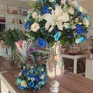 Arranjos com Flores Azuis