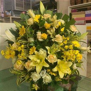 Arranjo de Flores Amarelas modelo 3