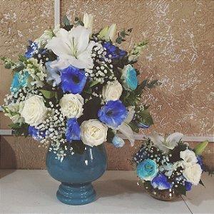 Arranjo de Flores azuis modelo 2