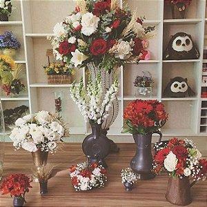 Buquê com flores brancas modelo 3 💐