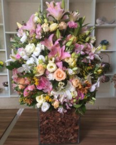 Arranjo com Flores cor-de-rosa modelo 8