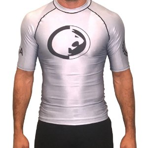 Rash Guard Prata Ryan Gracie - Manga curta