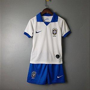 4210f03f3e Camisa amarela da Seleção Infantil Brasileira 2019 Nike Copa America ...