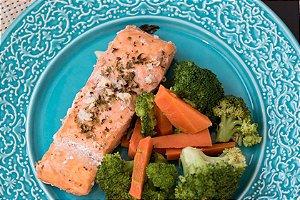 Salmão com Brócolis e Cenoura