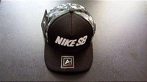 Boné Nike SB - Aba Curva - Preto