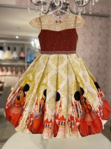 Vestido com estampa personalizada da Minnie