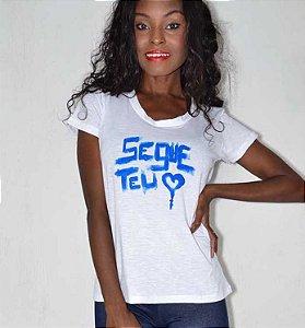 T-shirt feminina frases