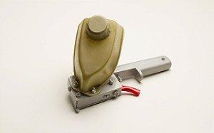 Maqanbi - Pistola p/ aplicar cola de contato em topos de 15mm - RV