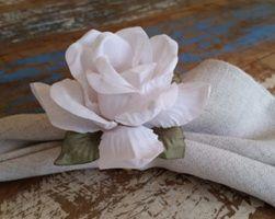 Porta Guardanapos  / Flores de Tecido - Crisália