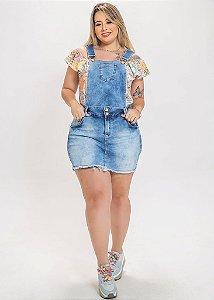 Jardineira jeans 2 em 1 plus size