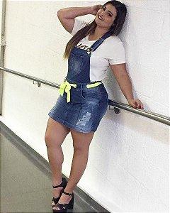 Salopete Short Saia em Jeans com neon