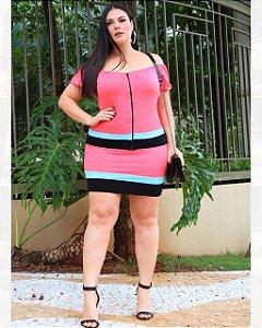 Conjunto de blusa e saia plus size