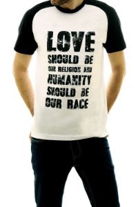Camiseta Love Should Be Our Religion