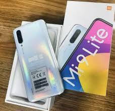 "Smartphone Xiaomi Mi 9 Lite 128 GB ROM e 6 GB RAM Android 9.0 Dual Chip Câmera Tripla Tela 6.39"" Versão Global - Xiaomi"