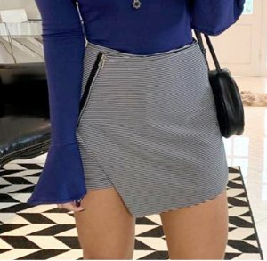 Shorts saia listras