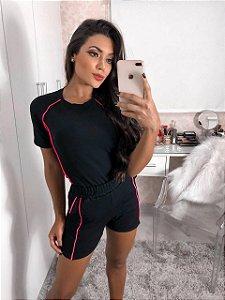 Conjunto shorts e blusa detalhes ROSA