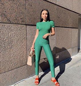 Calça verde pamela
