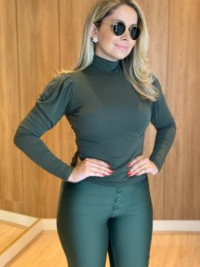 Blusa verde manga longa