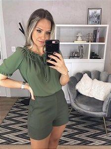 Shorts verde alfaiataria