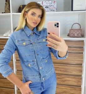 Jaqueta jeans botões dourados