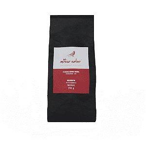 Café Especial Mitsuo Nakao Espresso Bourbon Vermelho Torrado e Moído 250g