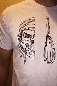 Camiseta Branca Unisex Cook Skull by Daniel Pires
