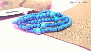 Mix de pulseira azul e ceramica turquesa