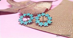Brincos mandala de flores prata e strass turquesa