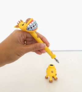 Caneta Girafa Homem - em Biscuit