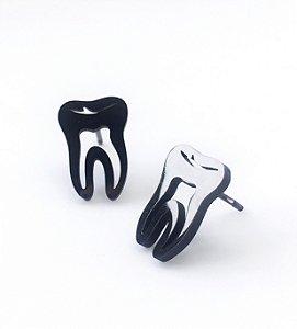 Brinco em Formato de Dente - Preto