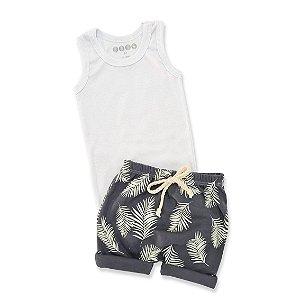 Conjunto Regata Branca e Shorts Flores