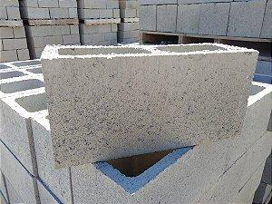 Bloco de Concreto 14x19x39 ( vedação )