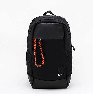 Mochila Nike Sportwear Essentials 25L