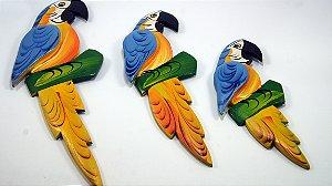 Trio de Parede em Madeira - Arara Amarela/Azul - Pequena